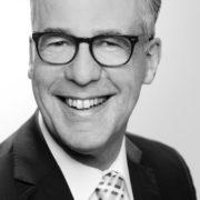 Profilbild von Bernd Thesing in schwarz weiß