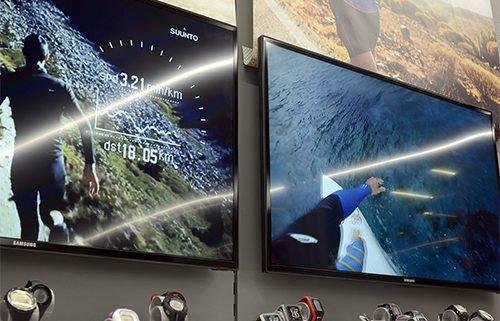Hervis Digital Signage Display Werbung Uhren
