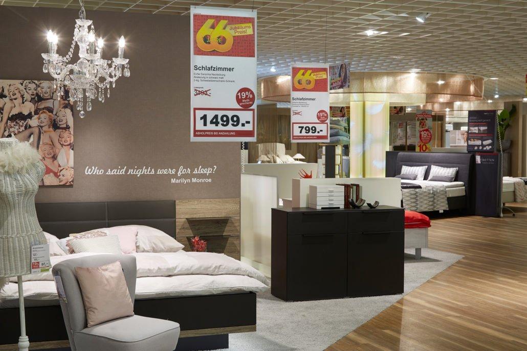 m bel rieger digital signage l sung online software ag online software ag. Black Bedroom Furniture Sets. Home Design Ideas