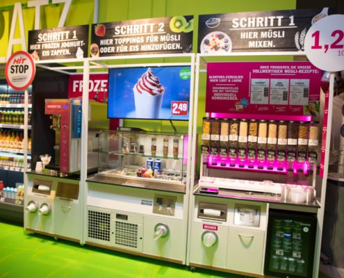 HIT Dohle Digital Signage Display Frozen Joghurt Eis Maschine