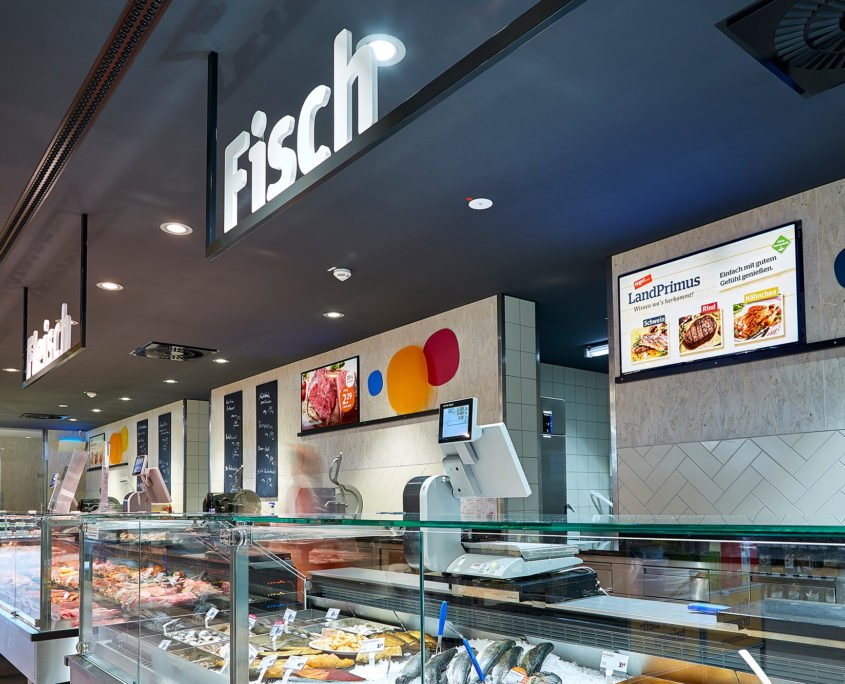Tegut Dipperz Digital Signage Display Angebote Frischetheke