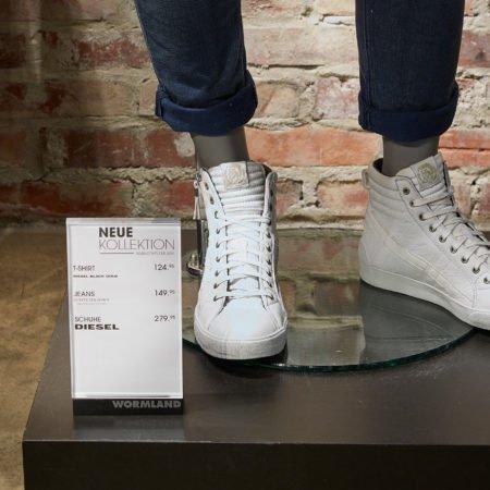 Mehrartikel Angebotsplakat wormland Fashion weiße Schuhe