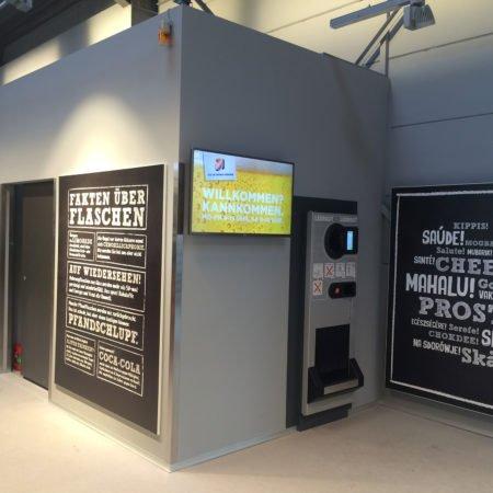 REWE FürSie Cash Future Store Bonn Digital Signage Display Begrüßung