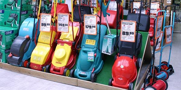 Preisauszeichnung auf A4 Angebotsplakat am Rasenmäher bei OBI altes Layout