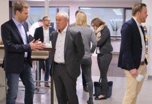 Vorstand Gruppe Nymphenburg Norbert Wittmann im Gespräch auf dem PRESTIGE Partnertag