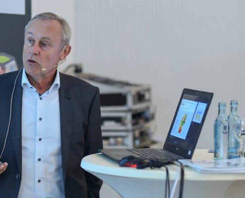 Vorstand Nymphenburg Group Norbert Wittmann referiert auf dem PRESTIGE Partnertag 2018