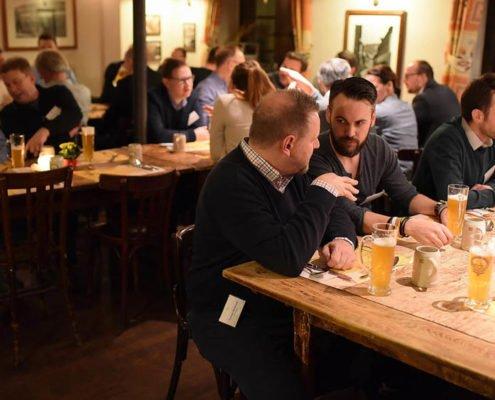 Dialog beim Dinner auf dem PRESTIGE Partnertag 2018