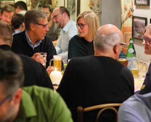 Fachdebatte beim Dinner auf dem PRESTIGE Partnertag 2018