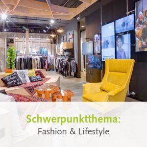 Videowall als Beispiel für Kundenansprache im Modehandel