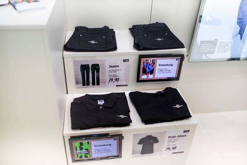 Preisauszeichnung für Warenträger im Modehandel basierend auf der Software PRESTIGEenterprise