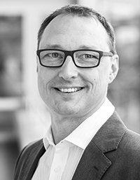 Peter Woetzel Director Product Management Online Software AG