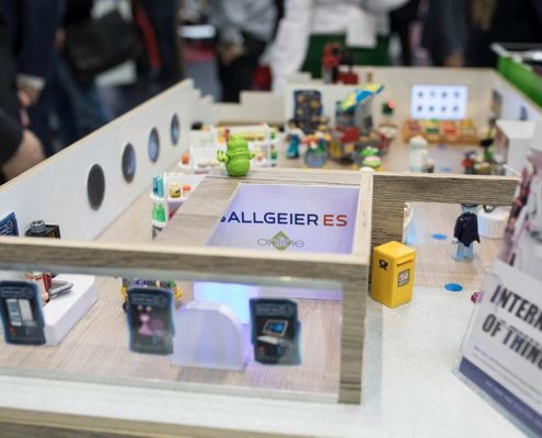 IoT Miniatrustore von Allgeier auf dem Stand der Online Software AG