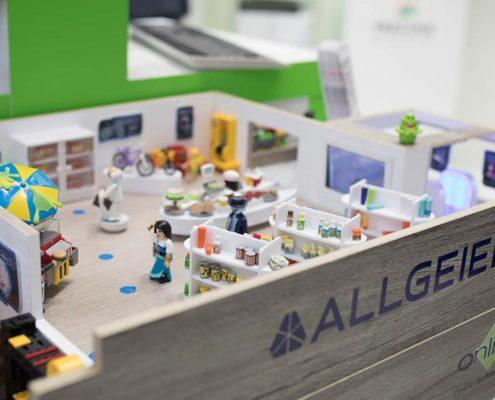 IoT Store mit Digital Signage Lösungen von Allgeier und Online Software