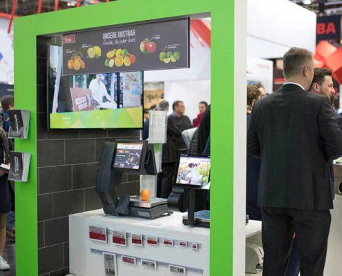 Digitale Signage Ideen von Online Software im Bedienbereich im LEH für Instore TV, Waagen und ESL
