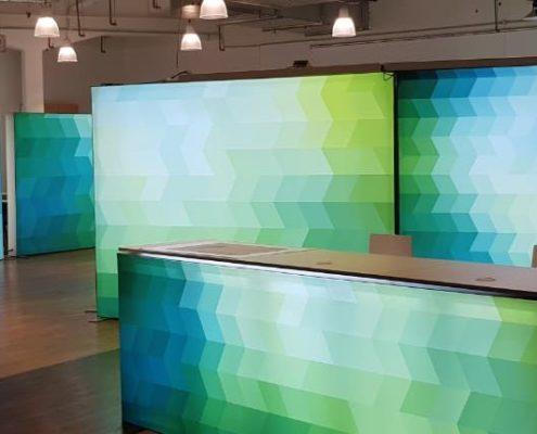 Empfangsbereich des Showrooms WhiteBox in Langenfeld