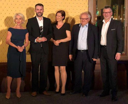 """Übergabe des POPAI Award Ehrenpreis """"Best Digital"""" an die Online Software AG sowie HIT Sütterlin"""
