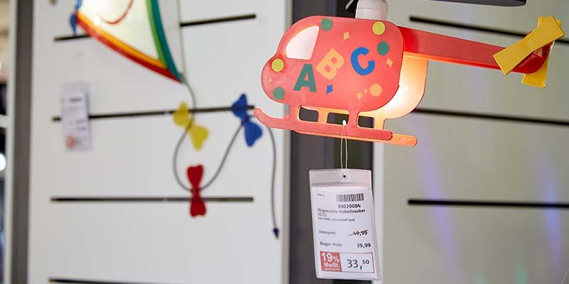 Etikettendruck Software - Hubschrauber Mobile mit Preisanhang